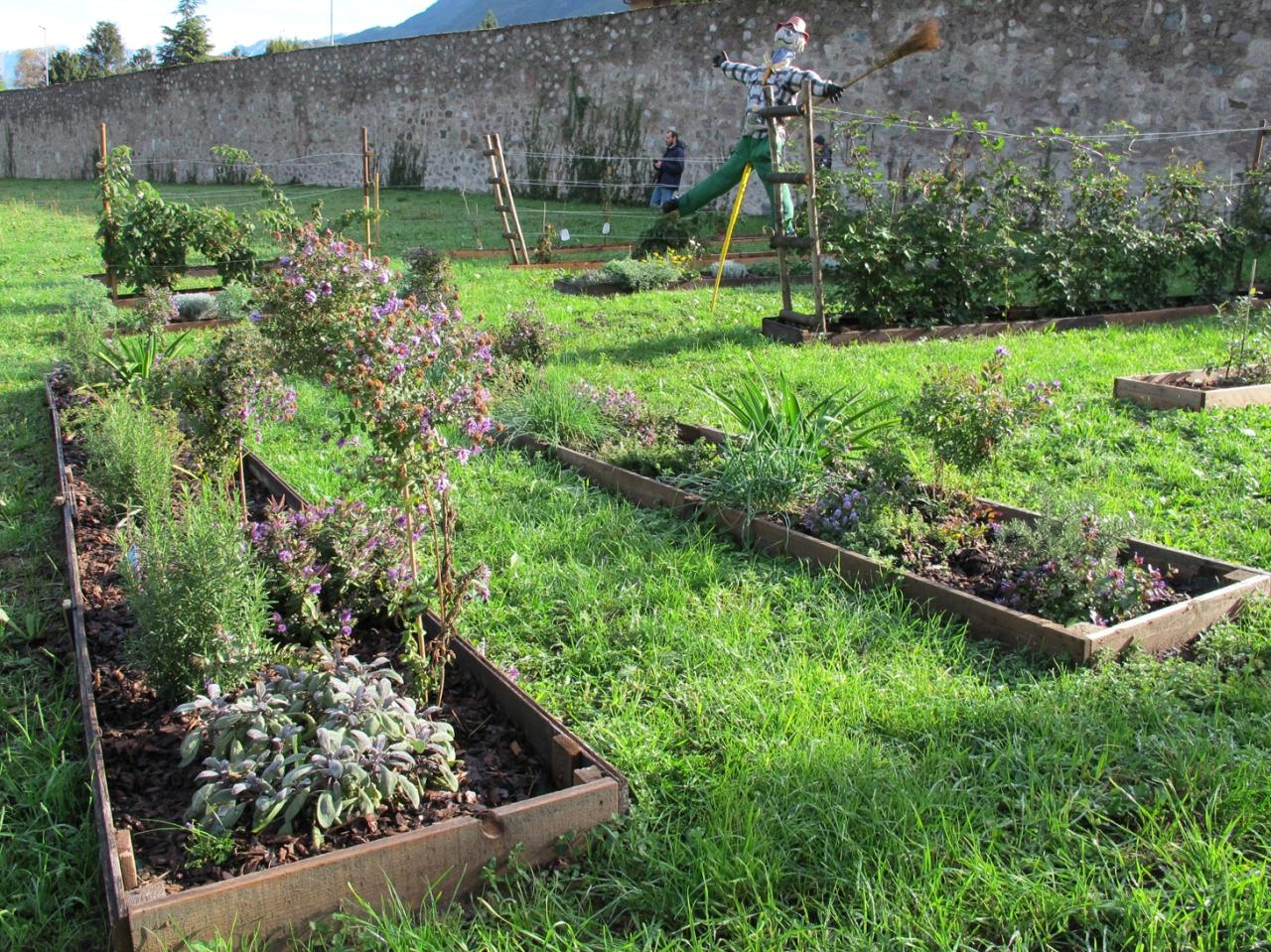 Orto giardino kitchen garden claudia arrighetti for Orto giardino